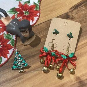 Jewelry - 💎 Lot of Christmas Brooch & Earrings